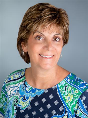 Connie Darnulc