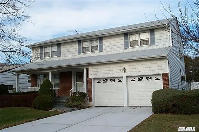Side Hall Colonial With 4 Bedrooms, 2.55 Baths, Sd#15, Right Near North Woodmere Park! Location Location Location!!