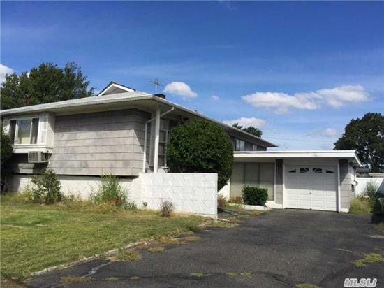 Lots Of Potential In This 3 Bedroom, 2 Bathroom Home. Located In Zone X.