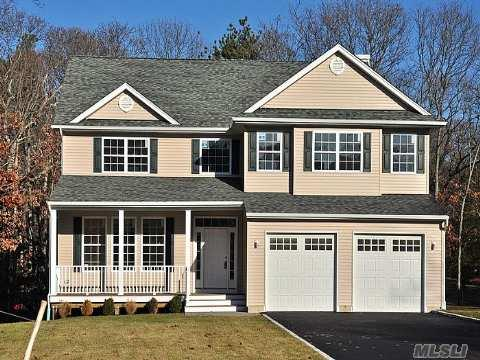Welcome to 8 Greenbelt Court Situated On A Cul-de-sac in Greenbelt Estates