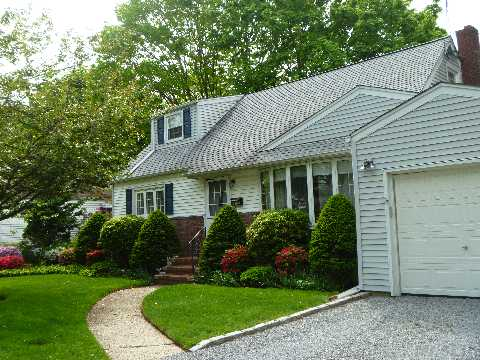 Do Not Miss This One!! Lovely Home On A Treelined Street. Private Yard. Hardwood Floors Throughout. Full Bsmnt. Why Rent When You Can Own.