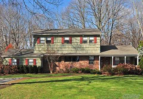A Decorator's Delight! This Beautifully Updated, Valmont Woods, 4Br, 2.5Bth Colonial Sitting Pretty On A Flat Acre, Has It All! Gourmet Kitchen W/Maple Cabinets, Granite Countertop & Ss Appliances! Designer Baths. Hi-End Quality Thru-Out. Too Many Updates To List! Lg Brs. Crown Moldings. Hw Flrs. Professionally Landscaped. Igp, Cac, Cvac, Taxes W/Star $11,665.48.