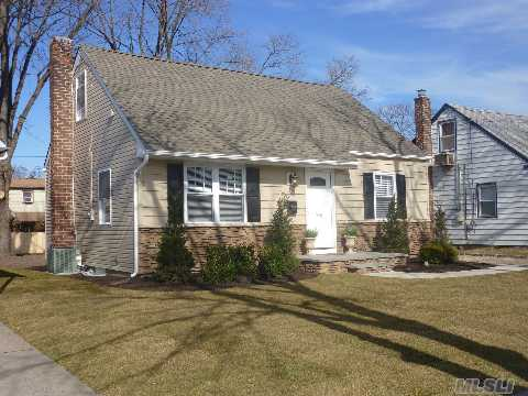 Totally Gut Renovated Cozy Cape In Cedarhurst.  Move Right Into This 3 Bdrm, 2 Full Bath Home With Kosher Granite Kitchen, Cac, New Baths, Etc.