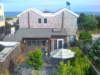Lovely contemporary home featuring ocean views! Located in the heart of Ocean Beach, this home is convenient to everything.  3 bedrooms and 3 full baths.
