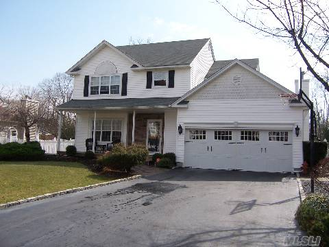 'Evergreen Estates' - Chance Of A Lifetime! Totally Diamond Colonial W/New Granite Kit, New Master Bath, Huge Finished Basement W/Full Bath, Den, Gas Fplc. Country Club Backyard, Igp, Deck, Jacuzzi Tub. A Must See!!