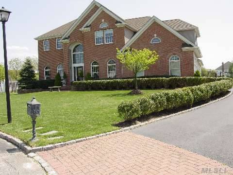 Taxes Do Not Reflect Star Of $878.63. Magnificent Post Modern Colonial. Offers Every Amenity. Flat .76 Acres Country Club Yard W/Igp  Spacious Family Home Perfect Floor Plan For Entertaining.Hwlfrs, Cac, Soaring Enrty, Center Isle In Kitchen, Bonus Rm On 2nd Flr, Too Much Too List!