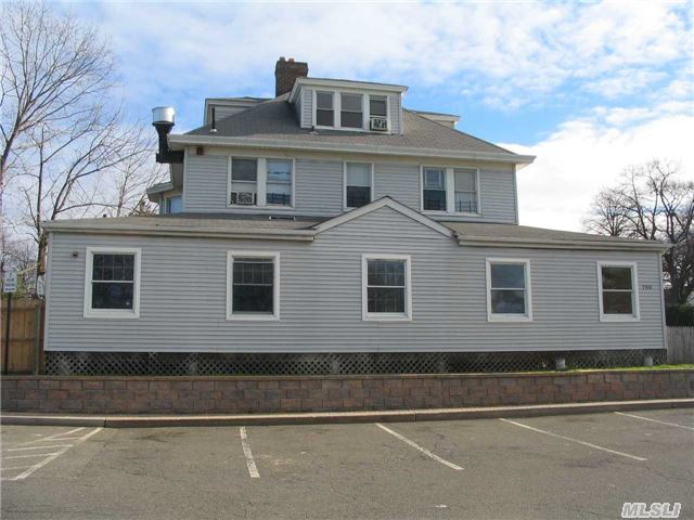 High Profile Location At Glen Head's 4 Corners.  2 Minute Walk To Railroad,  Shops, Dining.  Parking Is Abundant.  Perfect Office For Dr,  Lawyer,  Etc.  Building Is Currently Vacant