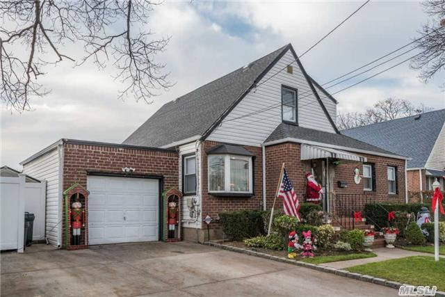 The Gift That Keeps On Giving- Christmas Cape, 3 Bedrooms- Updated W/ Eik, Granite Counter Tops & Tiled Backsplash. Formal Living Room, & Large Formal Dining Room, Den & Redone, Updated Bathrooms Throughout With An Amazing Backyard And Walk Out Basement!