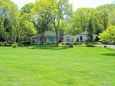Total Perfection - Elegant And Spacious - Move In Condition-Will Listen To Offers -A Must See!Waterviews To Ct And A Private Li Sound Beach - Close To Shopping, Golf And Parkway