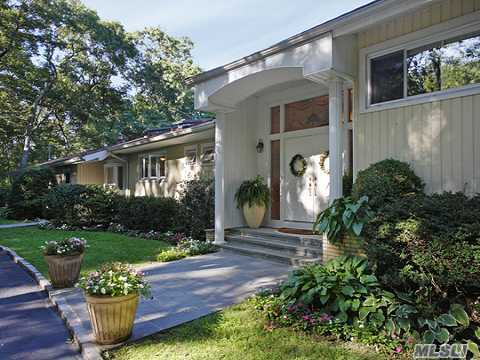 One Of Best Buy In 'The Brookvilles'! Tenant Requires 24 Hr Notice No Showings Weekends Private End Of Cul-De-Sac Setting!Country Club Living At Home W/Pool & Tennis! Updated Beautiful Bathrooms & Kitchen. Family Room Wing Could Be Guest Suite. Convenient To All.