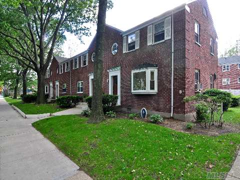 1 Bedroom Co-Op In Laurelton Gardens. Updated Kitchen. Low Maintenance, Includes Heat, Hot Water And Taxes. Close To Lirr. Close To Transportation And Shopping Center.