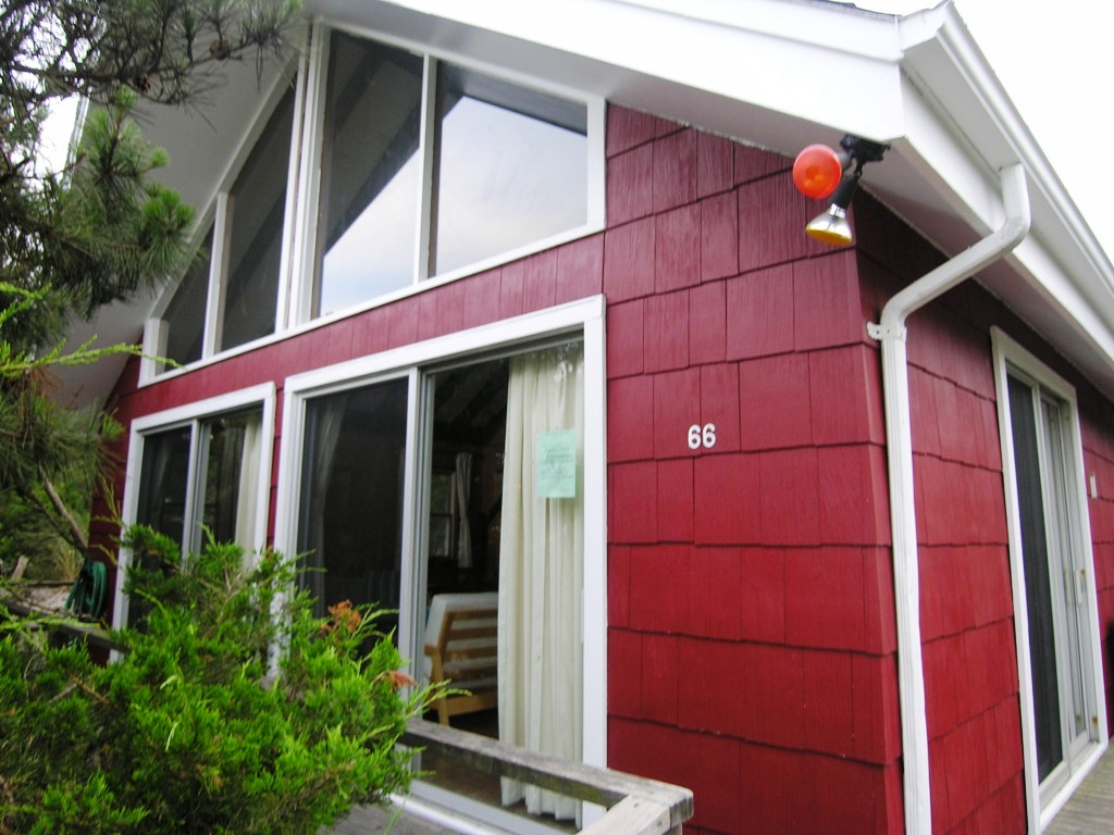 3 bedrooms with additional loft bedroom, 1 bath, A/C in 3 bedrooms, deck, outdoor shower, A frame home, close to beach in Ocean Beach. $2,500/week. Open 8/6 to 8/12 and 8/27 to LD