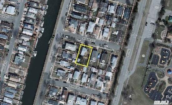 Sold As Is House Must Be Raised Per Ny Rising To Be Fema Compliant. Large Property