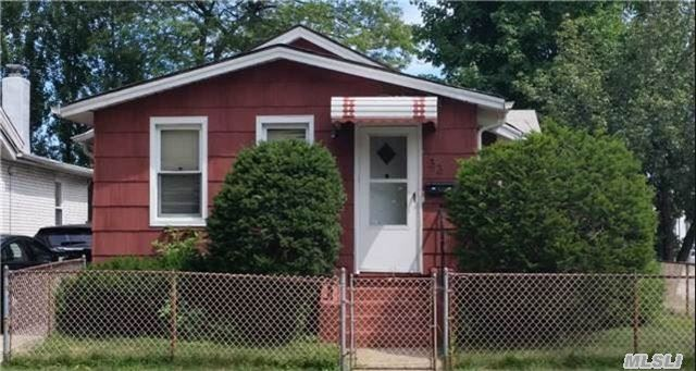 2 Br, 1 Bath. F/Basement, Garage.