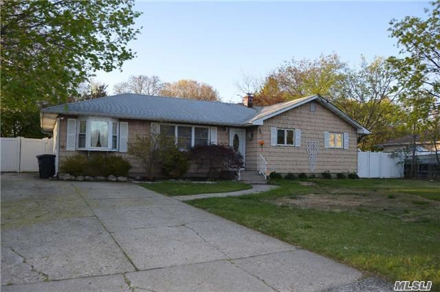 Beautiful 3 Bedroom 2 Full Bath Ranch Very Large Eik Fdr Flr Hard Wood Floors Cac Gas Heat New Hot Water Heater Anderson Windows Full Finished Basement New Cesspool W/Overflow Trex Deck On Over 1/3 Of An Acre Of Property