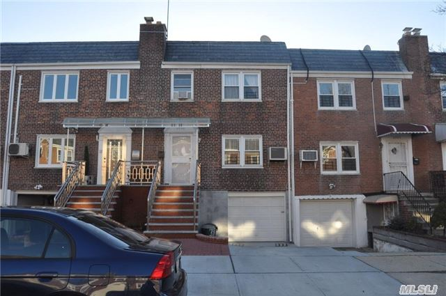 Bright And Clean Brick Colonial ,   Walk To Supermarket ,  26 School District,  Q88, Near Highway Finished Basement .