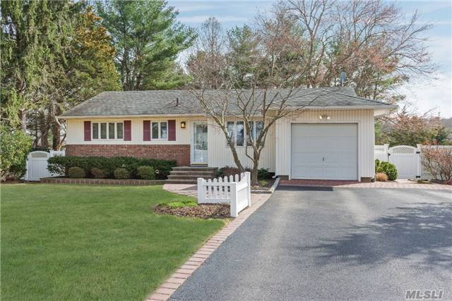 Beautiful Ranch Situated On A Cul-De-Sac, Ideally Loc In Morewood Sctn Of Smithtown. Immac Three Br W/Updated Bths, Updated Kitchen W/Granite Ctrtps. Full Fin Bsmnt Boasts Lge Den/Playroom, Office For Two, Fbth, Lge Strge Closet, Lndry/Util Rm, All Enhanced By Two Lrg Ac Units. Wood Flr Thru Living Areas And Mstr Br. Tastefully Lndscpd 0.36 Ac Prop Creates Tranquil Setting.