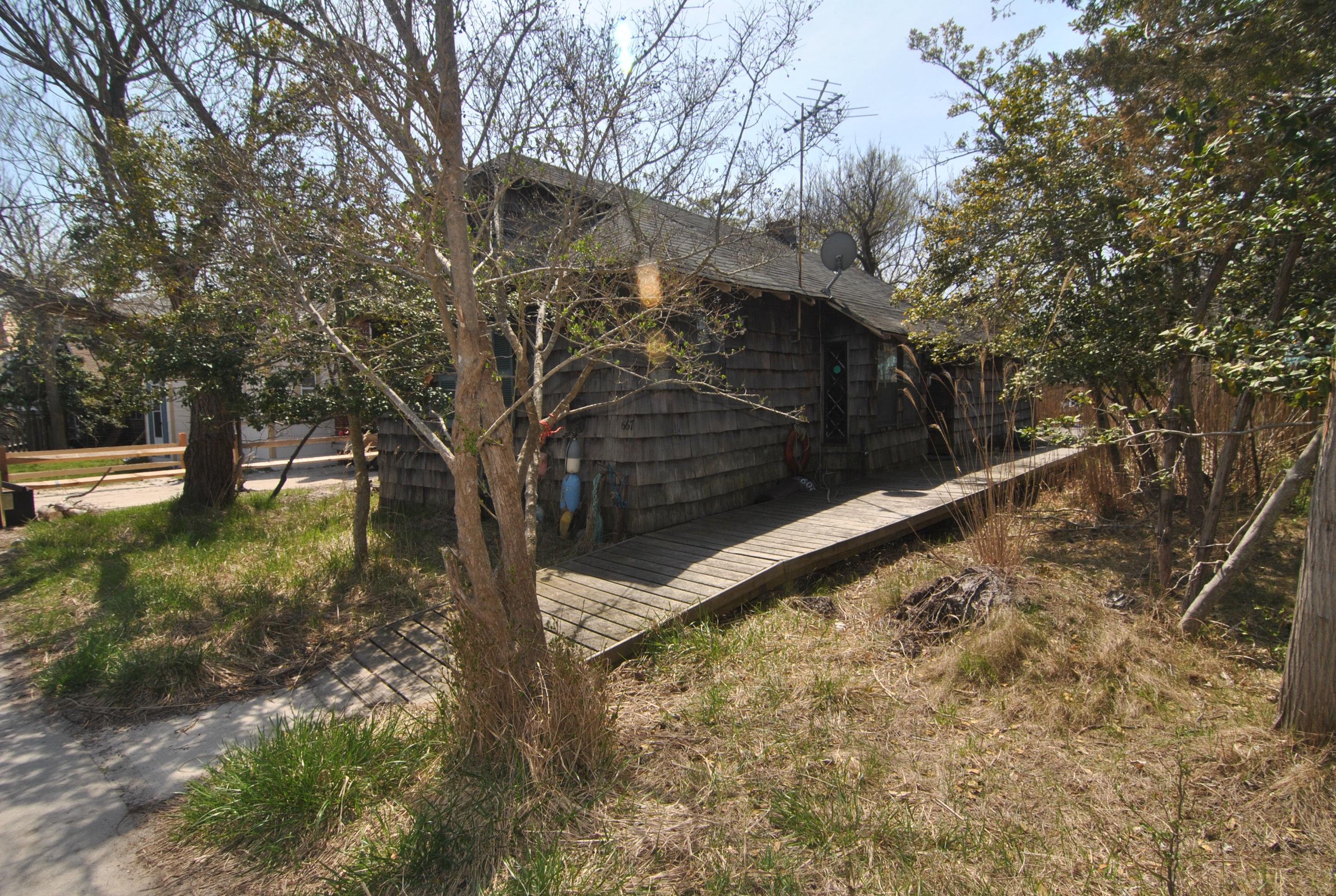 This charming 3 bedroom 1.5 bath home is close to the beach and is the perfect Fire Island getaway.