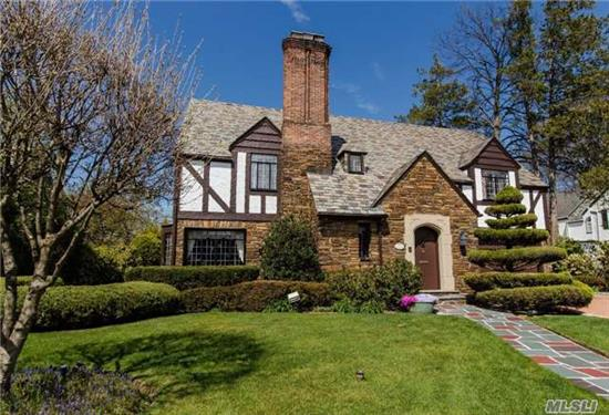 Wouldn't You Love To Have This Spectacular Bright And Sunny Tudor Style Home. Located In The Old Caterbury Section Of Town, This 5 Bedroom 4 Bathroom Home Is Situated On A Beautifully Manicured Lot. The Expansive Living Room Measures 30X15 Feet With Many Windows And Glistening Wood Floors. Too Much To List. Call For A Private Showing.