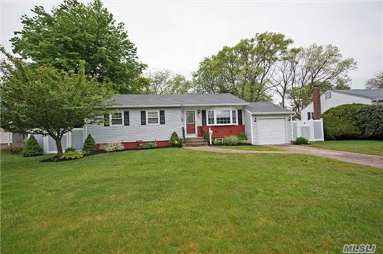 Move Right In To This Expanded Spacious Ranch On A Quiet Private Block.Nothing To Do Just Pack & Move Right In. Jacuzzi Tub, Igs, Gas Stove, Cac, Large Finished Basement(700Sqft) Deck & Above Ground Pool Complete This Great House