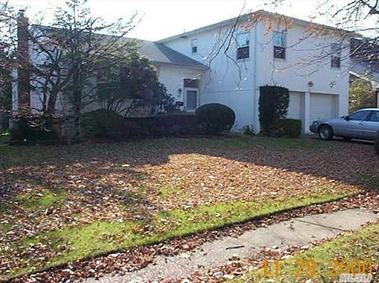 Great Spacious Home. Woodmere -400. 5 Bedrooms, 3 Full Baths. Beautiful Street.