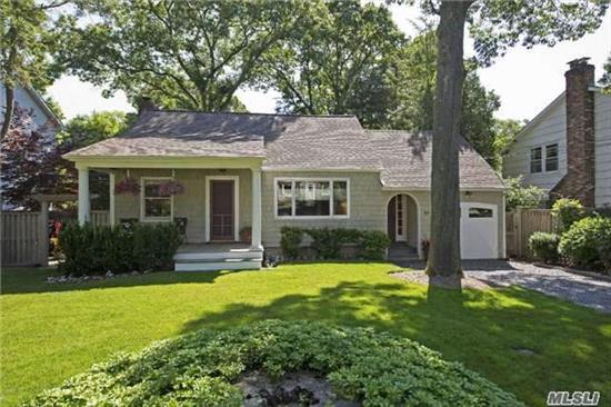 Diamond!! Amazing Cottage/Cape On A Tree Lined Str. In Desirable Gatke Park. Close To All (Train, Huntington Village, Parkways, Shopping). Done To Perfection. Wood Flrs, Stainless Steel Appl, Custom Cabinets, Main Floor Laundry, Hunter Douglas Window Treatments. Landscaped, Fenced In Yard With Cedar Deck. Walk Out Basement. Ideal For First Time Home Buyers/Downsizers.