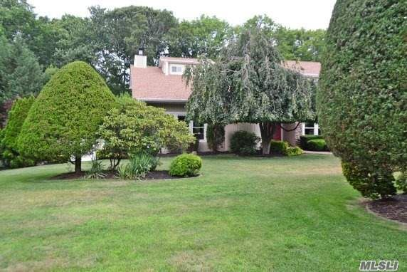 This Diamond Shines! Better Than New 3700 Sq Ft Custom Colonial With All The Bells & Whistles. Brand New Cherry Eik W/ C.I, Granite, S/S Appls, Great Rm W/Stone Fpl, Maids Qtrs Huge Mbr Suite W/Gorg Bath.5 Sets Of French Doors Provide A Gorgeous View Of Scenic Yard With Lush Landscape, Mature Trees And 16 X 32 Igp, Too Many Xtras To Mention, Dead End .69 Acres, Hurry!!