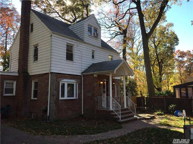 Good Condition Cozy 1 Family House In Excellent Location Of Holliswood. This House Rests On 5050 Sq.Ft Land, It Features Nice Front & Backyard. The House Offers 4 Bedrooms, 2.5 Bathrooms, Living Room With Fireplace, Separate Dining Room, Eat- In-Kitchen With Stainless Steel Appliances.