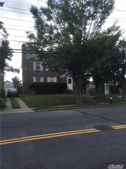 Great House In Desirable Flushing North Location!
