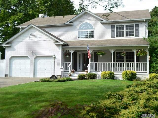 Immaculate Spacious Colonial Offers Large Eik, Flr, Edr, Full Brand New Never Used Fbth, Fam Rmw/Gas F/P-Sliders To Patio, High Hats, Crownmoldings, Wainscoting, Mbr W/ Mbath, 3Add'l Brs, Fambath, Fbsmt Pfin, Updated Heating Sys, Cac, Generatorw/Hookup, Hwflrs, Paved Patio, Heated Igp W/New Liner&Looplockcover, Elec Retractableawning, Extented Driveway Fits 6 Cars, Sd#1