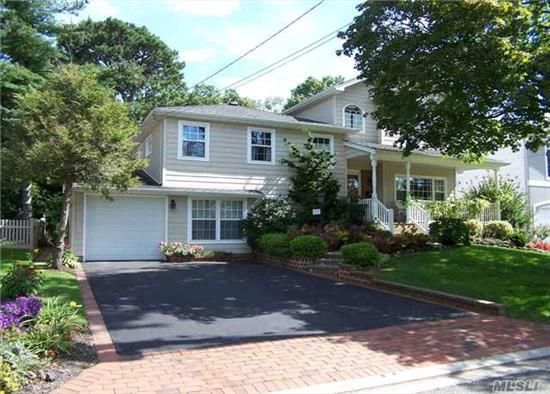 Viceroy Estates + Huge Updated And Expanded Diamond Condition Split On The Preserve! 5 Bed/2.5 Baths. Open Concept Eik/Dr/Sunroom W Skylights And Windows Galore...Plus Hw Floors, Cac...Fam Room, Office. I Can't Fit Everything Here That This Home Has! Must See It To Believe It! All Info Deemed Accurate. Buyer Should Verify.