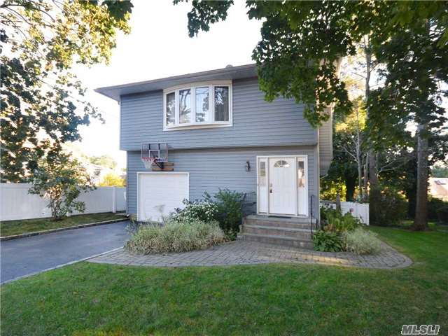 Reach For The Affordable...This Could Be Your Golden Opportunity To Own This Updated 5 Br Hiranch...Lots Of Room, Private Backyard Close To All--Village, Parks, Beaches, Schools! Great Family Home!!