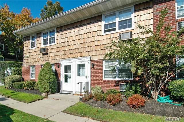 Oyster Bay, Top Of The Harbour, Spacious 1 Bedroom Unit On The 2nd Floor. Large Bedroom, Living Room/Dining Room, Eff Kitchen, Full Bath & Laundry On Premises. Maintenance Includes Taxes, Heat, Gas, Hot Water, Landscaping, Parking & Snow Removal
