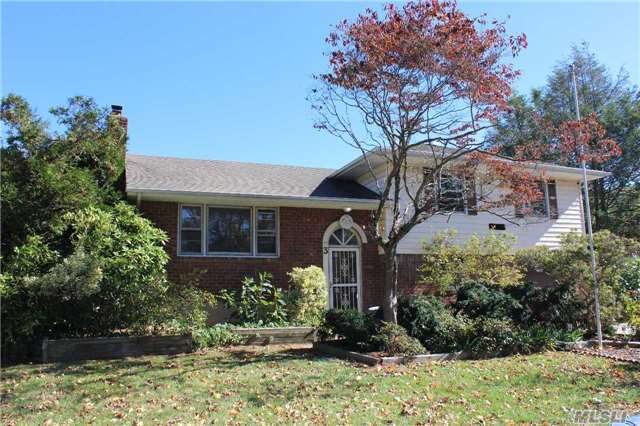 Add Your Personal Touch To This Home With 1/3 Flat Acre Property In Award Winning Commack Schools. Entrance Foyer, Up To Lr, Formal Dr, Eik W/Sliders To Deck. Upstr To Updated Full Bath, Master W/ 1/2 Bath, 2 Br. Down From Entrance To Den W/Ose To Yard & Patio. 1 Car Att Garage.Part Bsmt W/ Cedar Closet, Laundry With New W/D, 5 Yr Young Gas Burner & Hw Heater. Newer Cac.