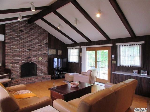 Wantagh Woods* Enchantment And Entertain 20 X 20 Great Rm W/Brick W-W Fireplace Vaulted Beamed Ceiling & Fan/Mod Eat-In-Kitw/Cherrywd Cabinets, Granite Counters, Granite Kit Table, Crn Molding, S/S Apls, Porcelen Flr&Bk Splash/Fdr-W/Bay Windw, Hd Wd Flrs, 4 Bedrooms, 2 Full Baths, Full Basemt-Fin, Oversized Secluded Back Yard, Front Sitting Porch, Ductless Heat+Cac, Tx Grv Sav $3, 000