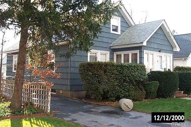 Custom Cape W/X-Lg Lr W/Fpl And Fdr, Spacious Eik, All Good Size Rooms, Open And Sunny Layout, Beautiful Hw Floors, 2nd Floor Can Be A Great Suite, Finished And Bright Basement.
