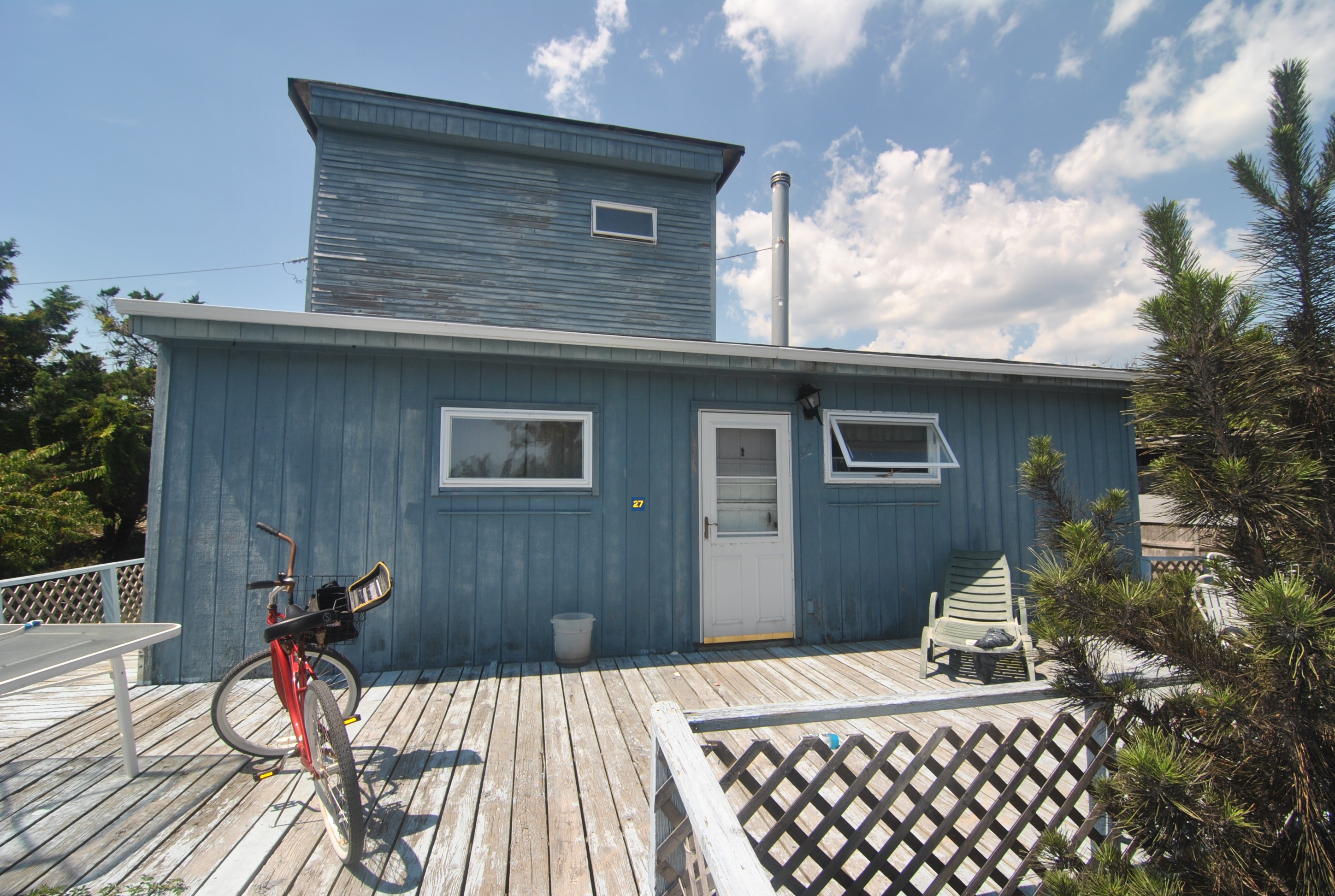 Seasonal Rental in the Heart of Ocean Bay Park located on the Ocean Block. 3 Bedrooms and 2 Full Bathrooms. Comfortable Living Area with Wood Burning Stove. Large Deck Space and Close to the Ocean.  2017 Summer Season only $24,500
