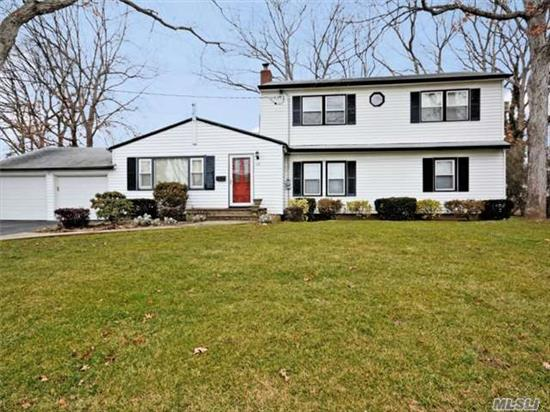 Spacious 5 Bedroom Side Hall Colonial. Three Spacious Bedrooms On Second Level-Master En Suite. Two Bedrooms On First Level-Could Be Den. Huge Living Room And Large Formal Dining Room. Oversized Yard W/ Deck. Mid Block Location On Quiet Residential Street. Convenient To Parkways! Hurry Won't Last!