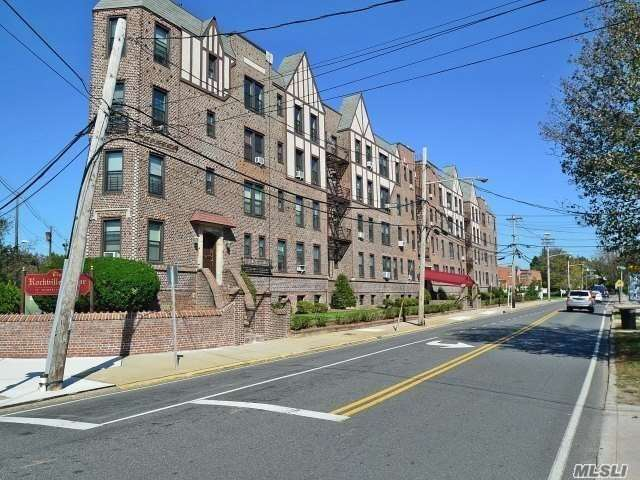 Affordable Historical Home In The Heart Of Rvc. Prewar Features, Private Entrance Only A Few Short Blocks To Lirr And Restaurants/Nightlife/Shopping. The Apartment Features Wood Floors, 3 Closets, Spacious Lr And 1 Large Br With High Ceilings. Laundry, Gym & Storage Unit In Building. Permit Parking Adjacent To The Building. Commute To Nyc 35 Min By Lirr. Will Not Last!
