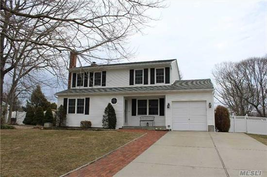 Diamond Colonial Built 1985 W/ Parklike Grounds, Fully Fenced, Patio Pavers. Roof, Windows, Siding, Bathrooms - Less Than 10 Yrs. Old. Hi-Hats Throughout. 2 Skylights, Country Eik W/Ss Appliances, Oak Banister, Pergo & Hw Floors, Ceramic Tile, Den W/Full Brick Wall Fpl, Finished Bsmt, 2 Zone Heat,  Inground Sprinklers, 8 X 8 Shed With Electricity, Concrete Driveway.