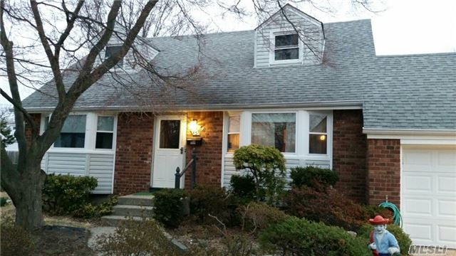 Cape, Updated Bath & Kitchen/Corian Counter. Updated Heating System, Hot Water Heater, Windows & Roof. 3 Bedrooms, Full Bath. Hardwood Floors. Large Upstairs Ready To Be Finished. ***Estate Sale. As-Is*** Less Than 2 Miles To Lirr And Babylon Village. Close To Elementary School.