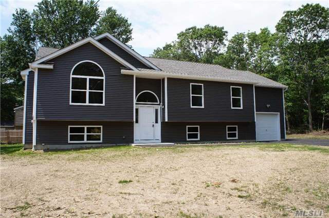 New Raised-Ranch With 3 Bedrooms, 2Full Baths, 1332 Square Feet Of Living Space. Possibly 1832 Square Feet If You Finish Bonus Room Over Garage For An Additional Price. Still Time To Pick Colors.