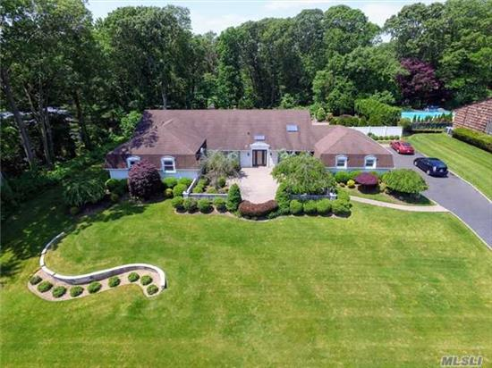 Welcome Home To This Sprawling Oakwood Ranch Featuring 5 Br's, Including Mbr W/Fireplace And 3 Walk In-Closets, Updated Eat-In Kitchen W/Granite And Ss Appliances. Fdr W/Skylight, Step Down L/R With Fireplace, Large Den. Outside Offers A Heavily Landscaped And Private Oasis With A Heated Igp Surrounded By A Multi-Level Patio. New 200 Amp, Low Grieved Taxes