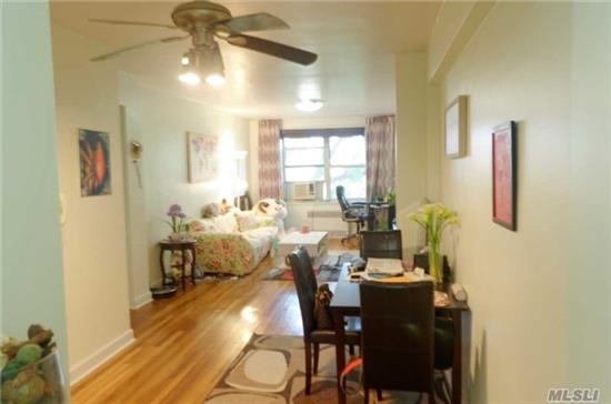 Nice Kitchen And Bath. Hardwood Flooring. East And South Facing Bright Corner Unit. Every Room Has Window. Move-In Condition Local Buses:Q44, Q14, Q20A , Q20B And Exp. Bus To Manhattan .North Flushing Quiet Area Walk To Downtown Flushing, 2 Blocks To Supermarket!