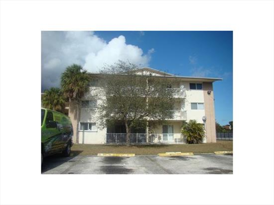 2/1 Condo With Balcony. Tile Throughout Unit And Carpet In Bedrooms. Close To Schools And Shoppings. This Is A Fannie Mae Homepath Property. Purchase This Property For As Little As 3% Down. This Property Is Approved For Homepath Mortgage Financing And For Homepath Renovation Mortgage Financing.