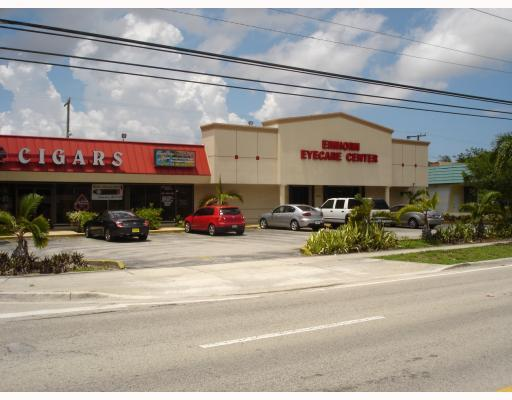 Excellent Retail Location On Sunset Dr. Gross Lease Of $1395.00 Per Month. Perfect For A Small Retail Business. Insurance Or Real Estate Office. Signable!!!
