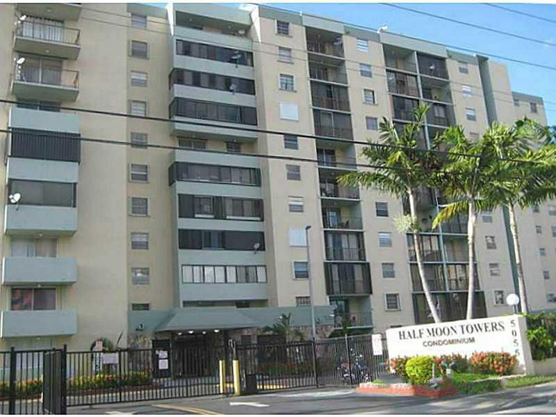 A Spacious 1, 013Sq Ft Condo Unit Located In Gated Half Moon Towers Condo.This Cozy Unit Offers 2 Bedrooms & 2 Bathrooms,  Living Room And Open Balcony. A Desirable Community Close To Restaurants, Schools, Expressways And Miami Int'L Airport.Hurry...Submit Your Offers Now !!! This Is A Fannie Mae Homepath Property.