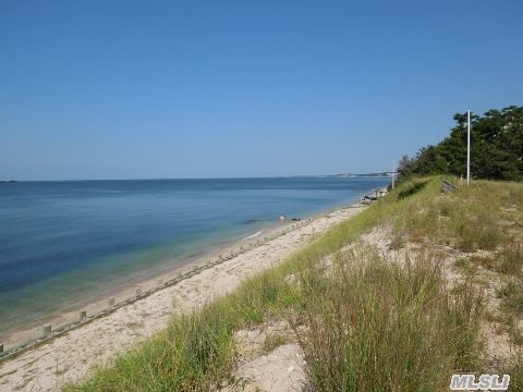 Build Your Dream Home On The Sound!