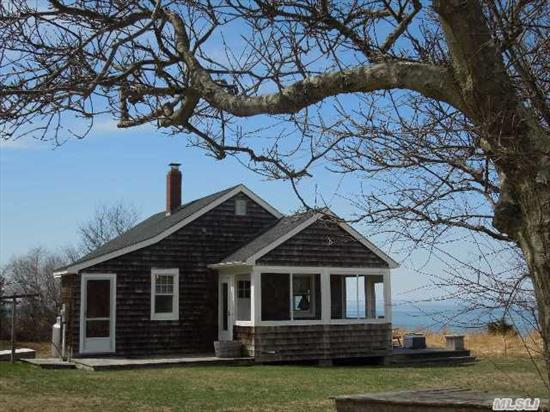 Step Back In Time Here,  Leave The World Behind. Beautiful Unspoiled Soundfront Cottage. Secluded And Private. New Bulkhead.Sandy Beachfront To Pass The Lazy Days Of Summer!!!