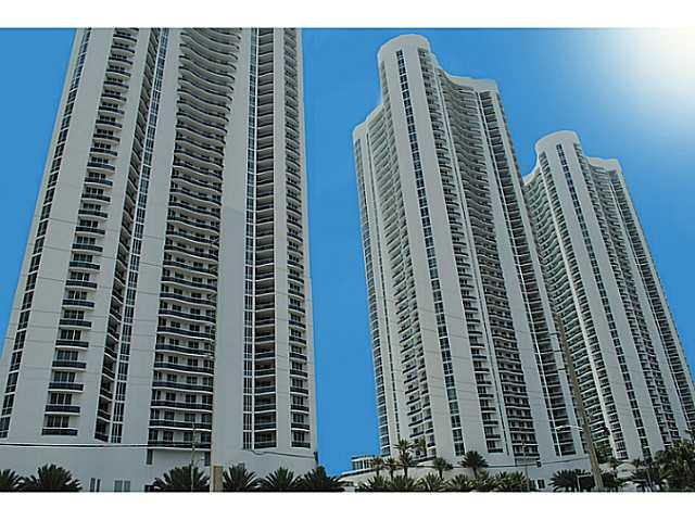 Spectacular Direct Ocean Views. Professionally Decorated Unit Overlooking One Of The Best Views In Sunny Isles. Gorgeous 3 Bedroom 3 1/2 Bath. Building Features Great Amenities Incudng Gym, Pool, Clubhouse, Valet, 24Hr Security And Concierge. Trump Tower Is Located Only 3 Min From Bal Harbour And 5 Min From Aventura. Excellent Location!!!!! Won'T Last!!! Easy To Show.